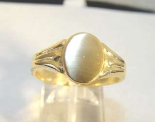 22K Yellow Gold Solid Oval Signet Ring 13.33 Grams