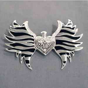 Clear Rhinestone Winged Heart Zebra Magnetic Pendant