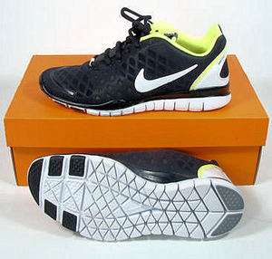 NIKE Womens FREE TR FIT SNEAKERS Black / White / FLR Yellow *NIB