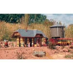 GRIZZLY FLATS STATION   PIKO G SCALE MODEL TRAIN BUILDINGS