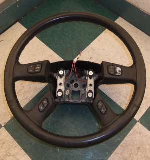 03 06 Avalanche Leather Steering Wheel Audio Cruise Black w/ DIC Audio