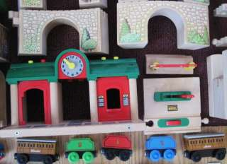THOMAS TANK ENGINE~BRIO WOODEN TRAIN SET~LOT~140+ pcs~BRIDGES~STATION