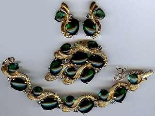 SCHIAPARELLI VINTAGE EMERALD GREEN GLASS RHINESTONE BRACELET PIN