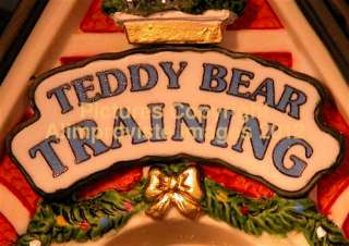 North Pole Dept 56 TEDDY BEAR TRAINING CENTER 56774 NeW