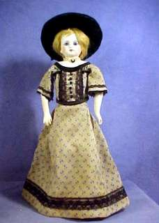 ANTIQUE FASHION DOLL  marked 6/0  Cl Mouth Paperweight Eyes, Kid Body