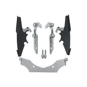 MEMPHIS SHADES TRIGGER LOCK MOUNTING KIT FOR BATWING FAIRING   BLACK