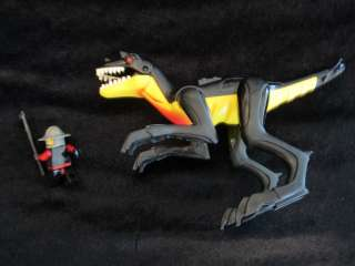 LEGO DRAGON / DINOSAUR / LIZARD CASTLE KNIGHT LUNCH IS SERVED