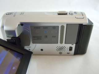 Sony Handycam DCR SX40 4GB Flash Digital Camcorder +2gb