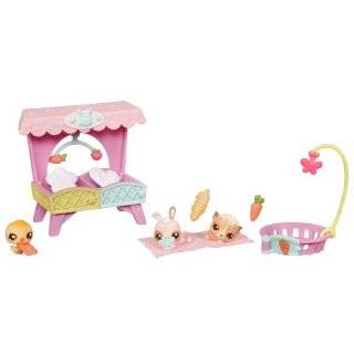 Littlest Pet Shop Babies Themed Pack   Sunny Stroll With Babies  Toys