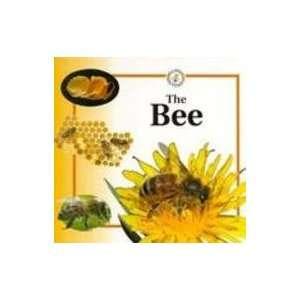 he Bee (Life Cycles (Rainree Hardcover)) (9780817243623