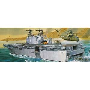 Monogram 1/720 USS Tarawa Assault Ship Plastic Model Kit: Toys & Games