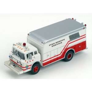 HO RTR Ford Fire Rescue Truck Washington DC Toys & Games