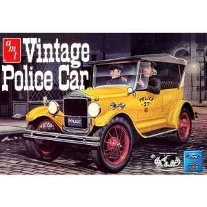 38679 1/25 27 Model T Vintage Police Car: Toys & Games